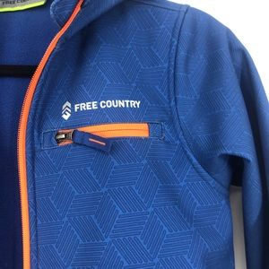 Free country soft shell jacket blue boy med 7/8